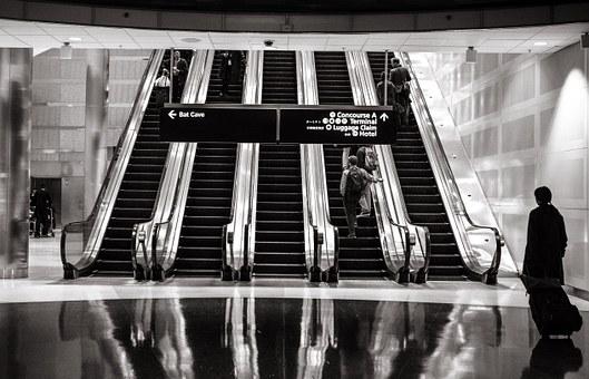 escalators 594463 340 1
