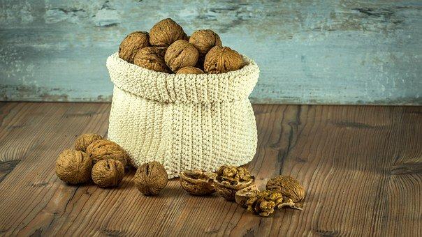 walnuts 1213036 340