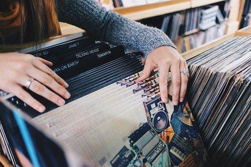 vinyl records 945396 340